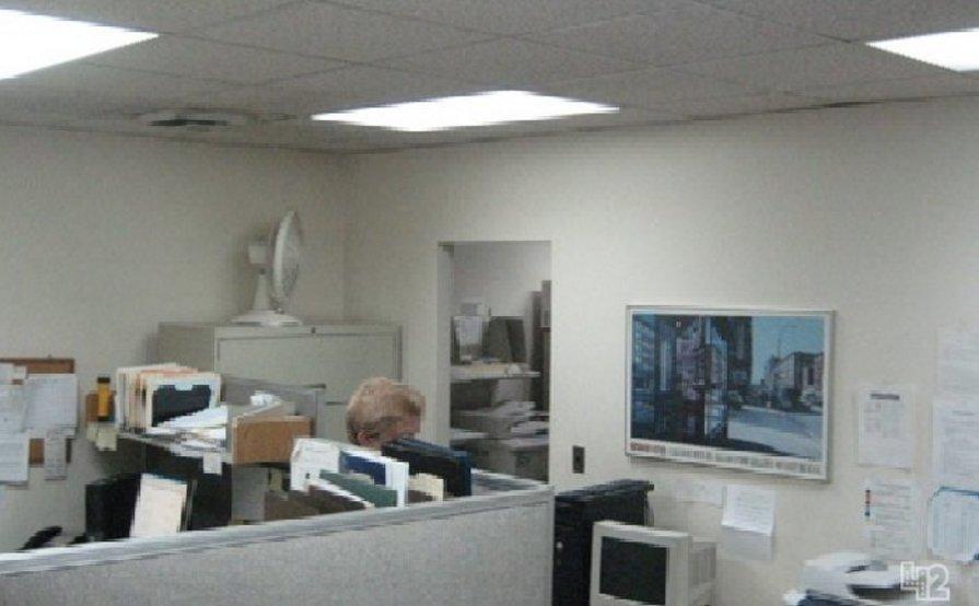 Nice big workspace