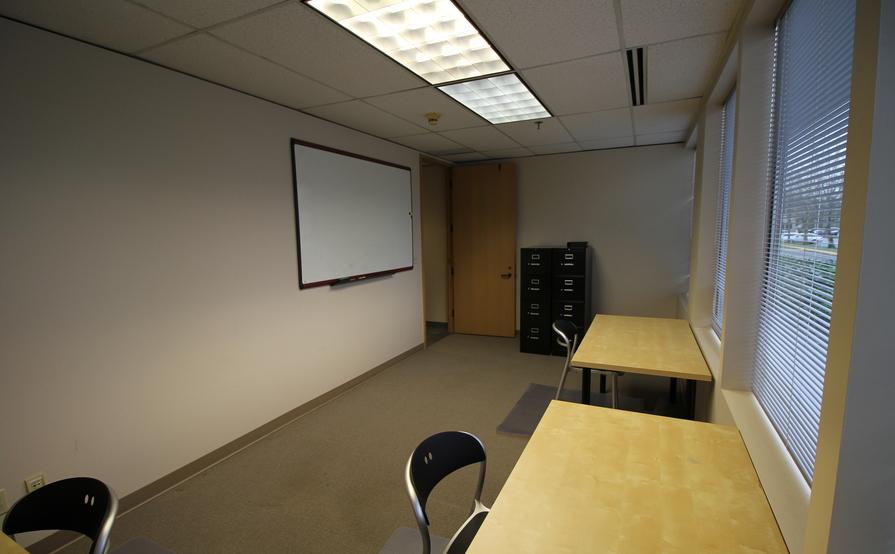 Hot Desk/Shared Office