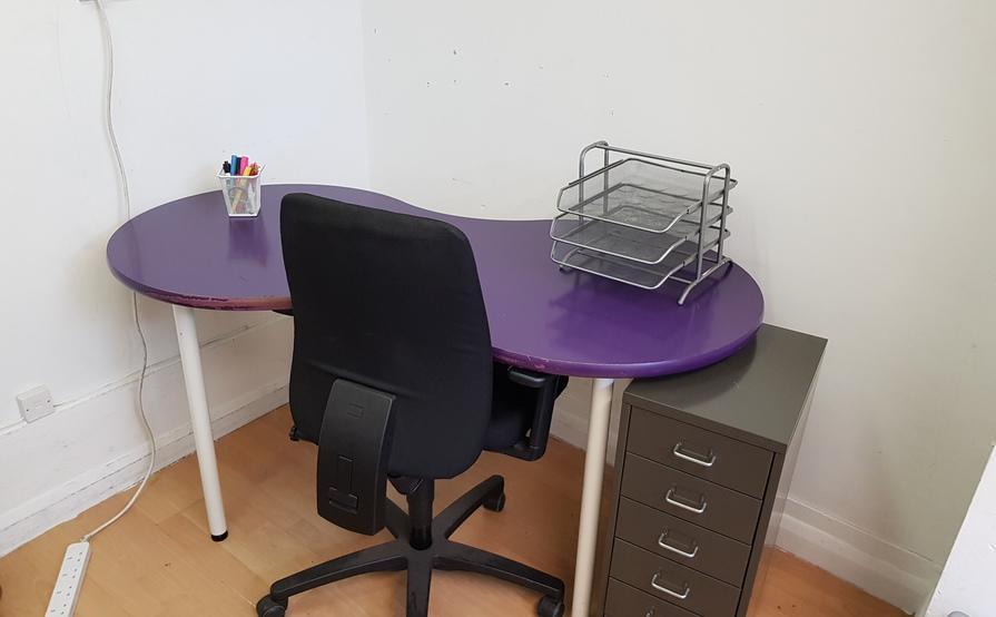 Office Desk Available @Peckham Rye   Desks Near Me