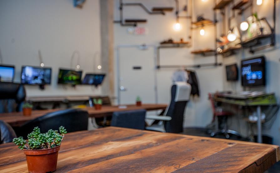 Hollywood/Vine Desks