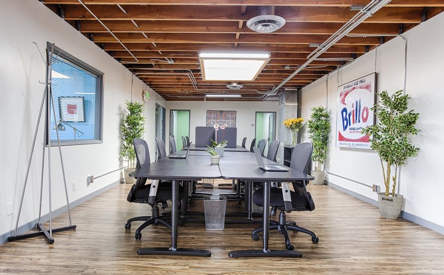 Hot Desk Business Hours