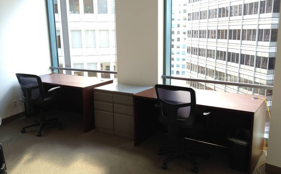 Meeting Room / Private Office