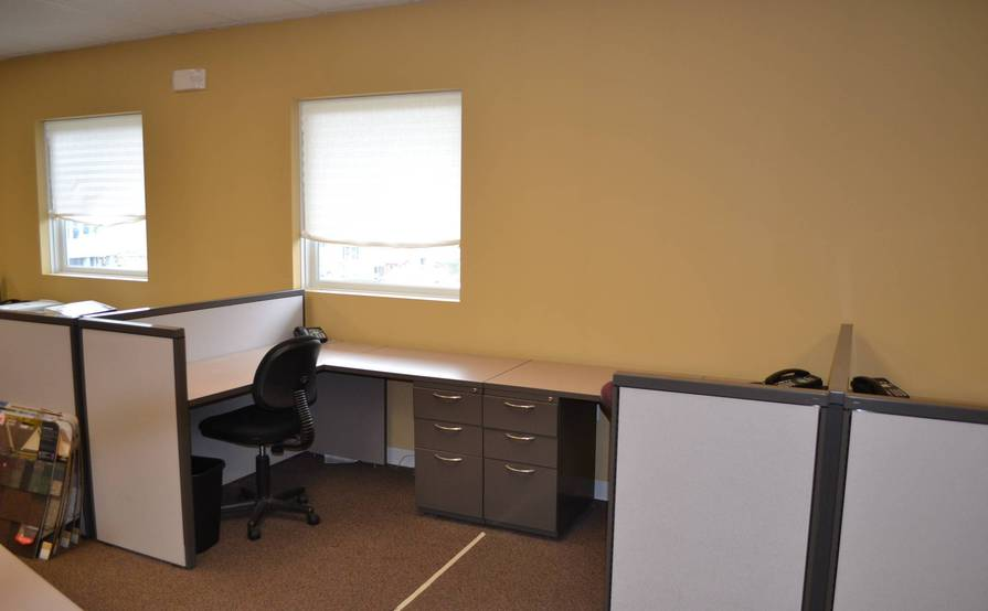 SMALL TO LARGE OFFICE SUITES