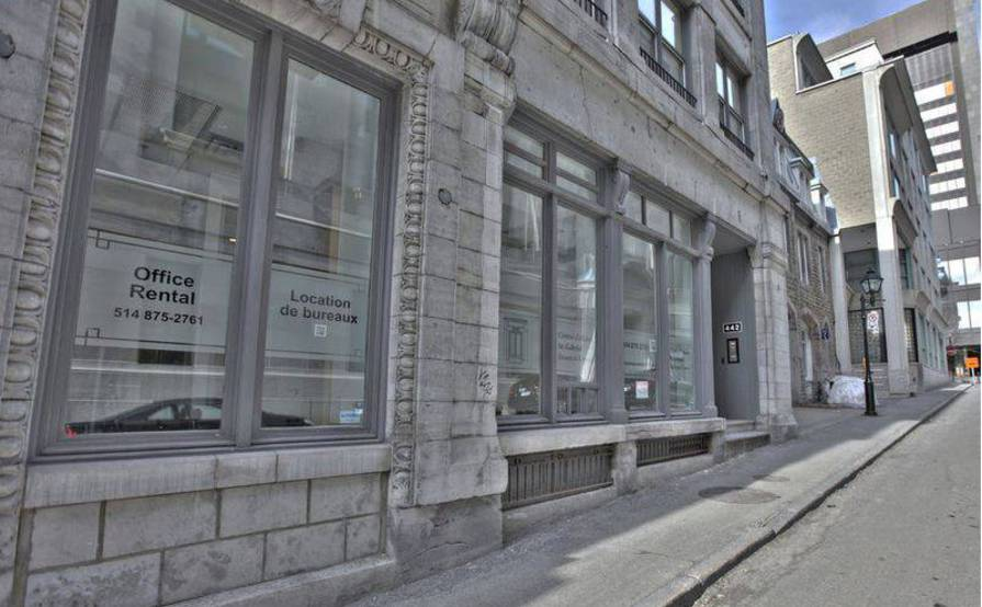 Closed offices to rent in old Montréal * Business Center * Centre D'affaires