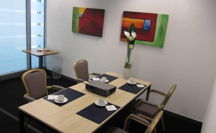 Descartes Private Meeting Room
