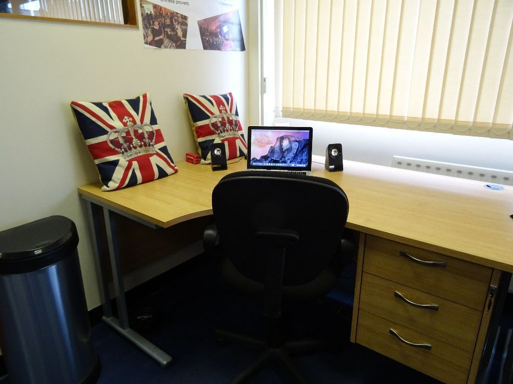 Lovely Desk Space To Rent North London Desks Near Me