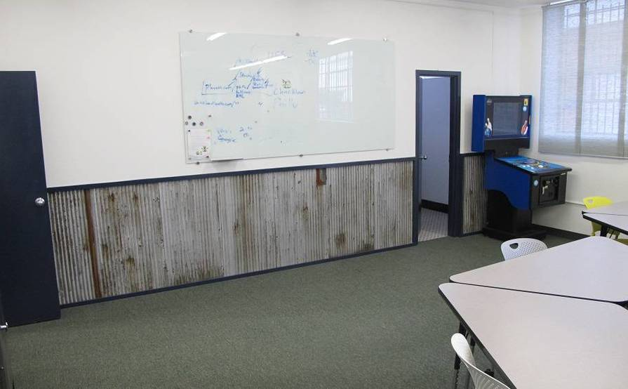 Front Office with private Office included