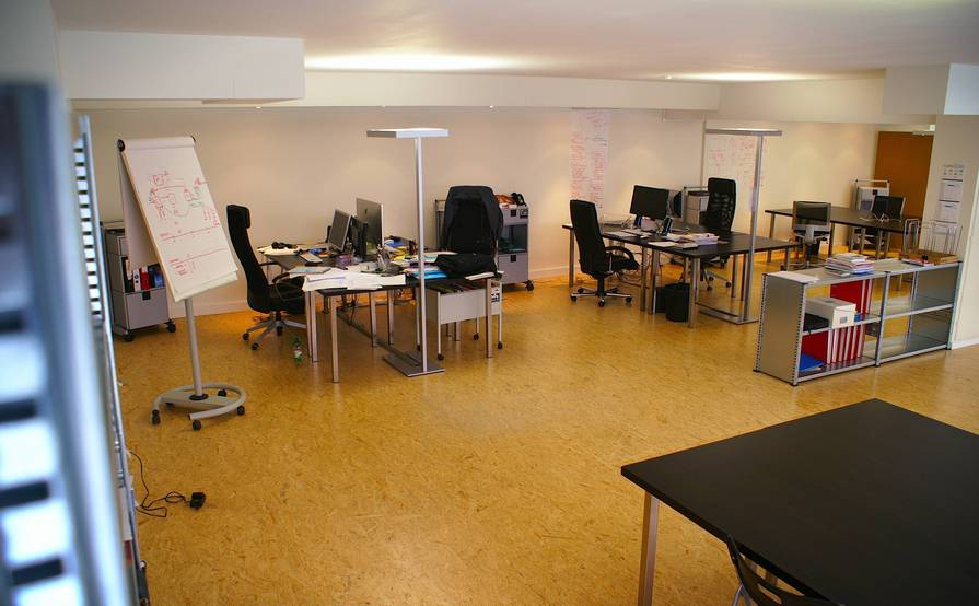 http://www.im-neuweg.ch - Shared Desks, Resident Desks