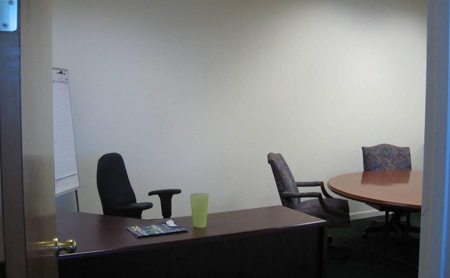 OFFICE & DESK SPACE