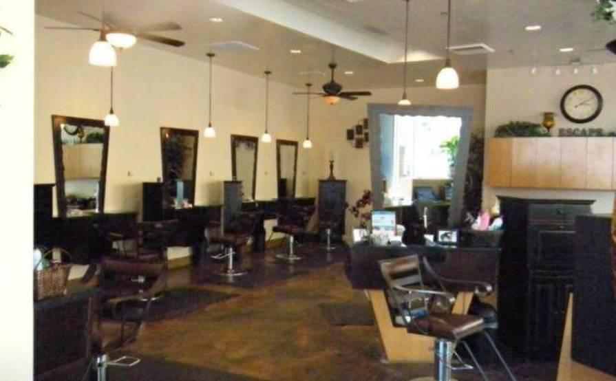 Hair station/nail station