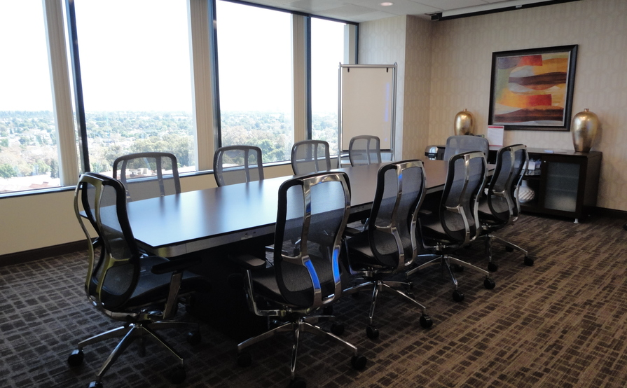 4-12 Person Meeting Room
