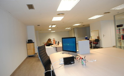 Z Space, Hot & Dedicated Desks available