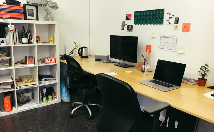 Creative Desk Space 5min away from Broadway Market