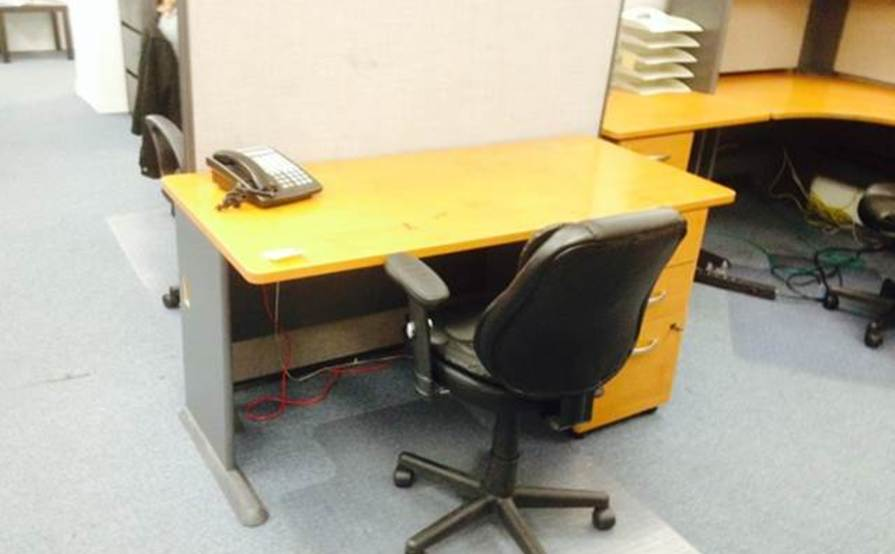 Traditional Desk With Drawer Space