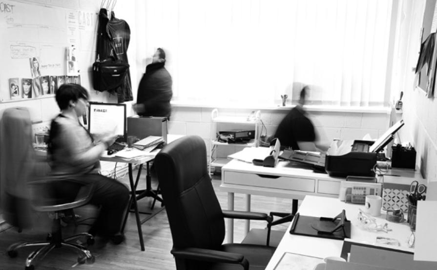 Desk hire, photographic studio hire