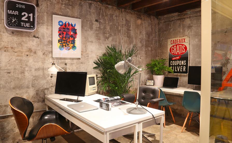 Communal workspace open 7 days a week in Williamsburg, Brooklyn