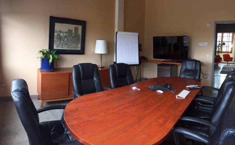 Private Office Space in Creative Work Environment