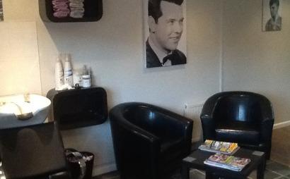 Salon Booth