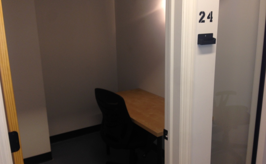 One Desk Office