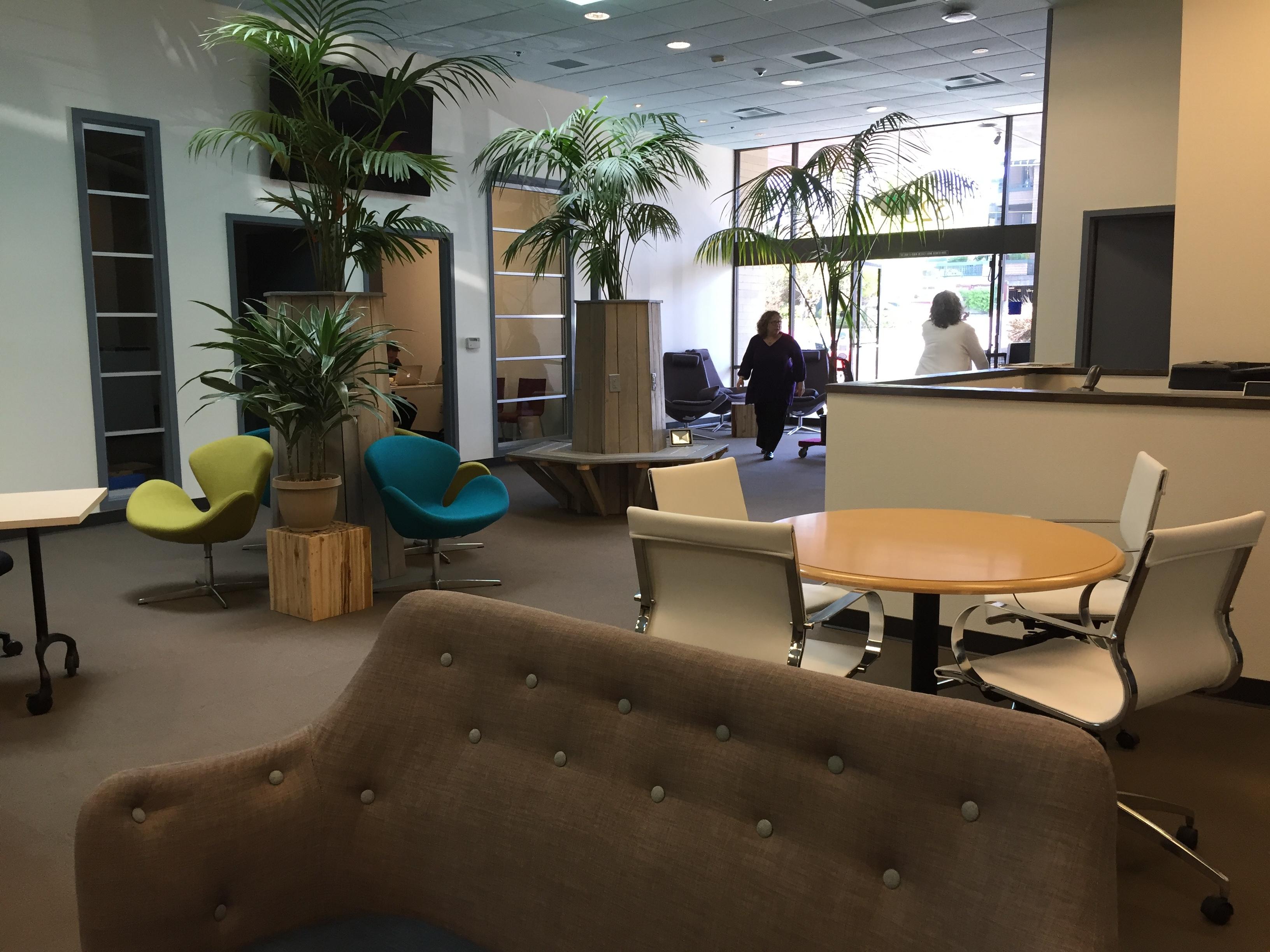 Café Workstations Available | Desks Near Me