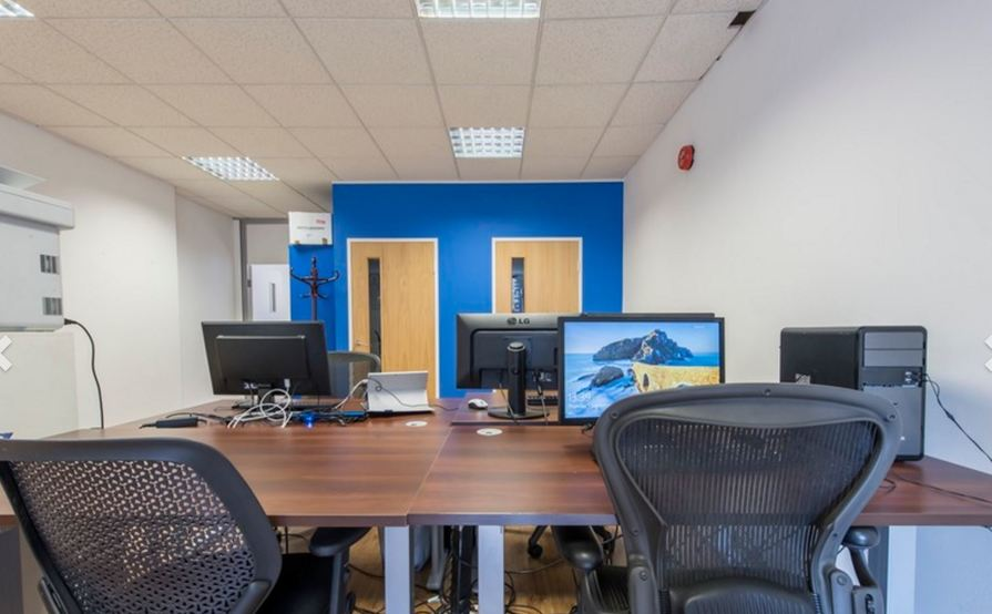 Old Street FinTech Desk Lease