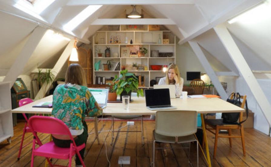 Hot Desk Coworking