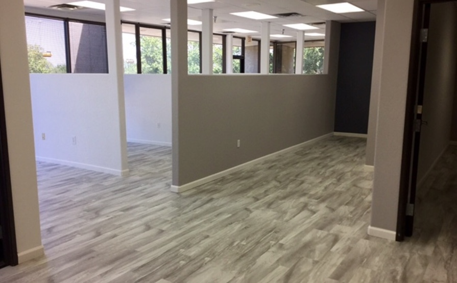 Large Las Colinas Corner Window Office