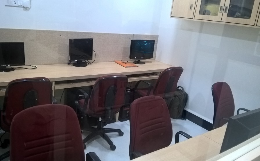 Available On Monthly Basis Work Stations At Hadapsar