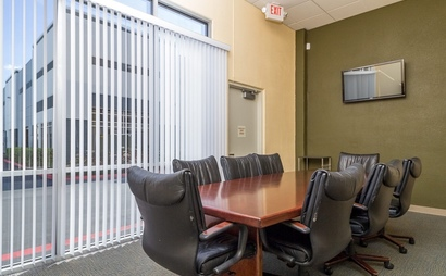 Fama Executive Offices