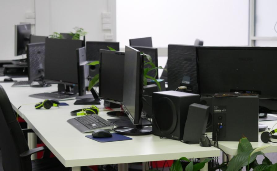 Dedicated Desk at Jumbla