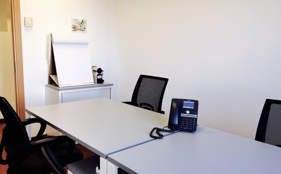 Interior Low Cost Offices