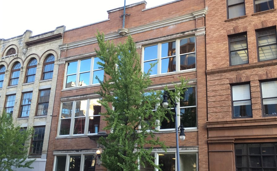 2024 3rd Ave. N, Birmingham, AL - Amazing Modern Industrial-Style Office Suites & Workstations
