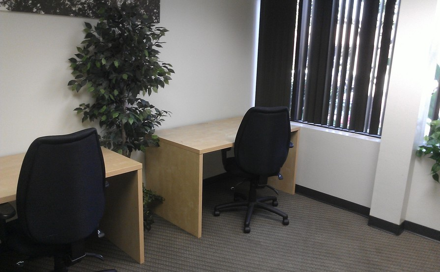 3 Person Private Office