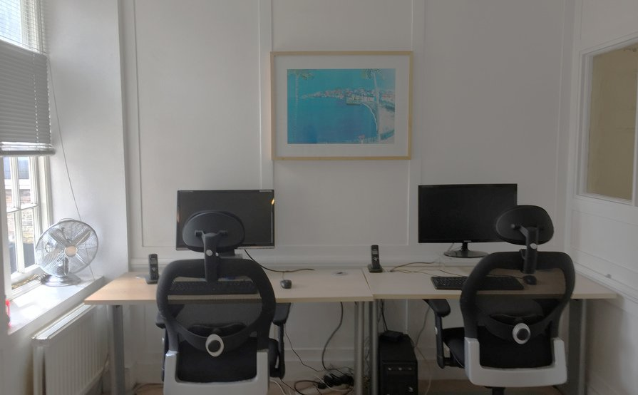 Desks in WANDSWORTH - 7 day access. Private friendly office. Inclusive rental
