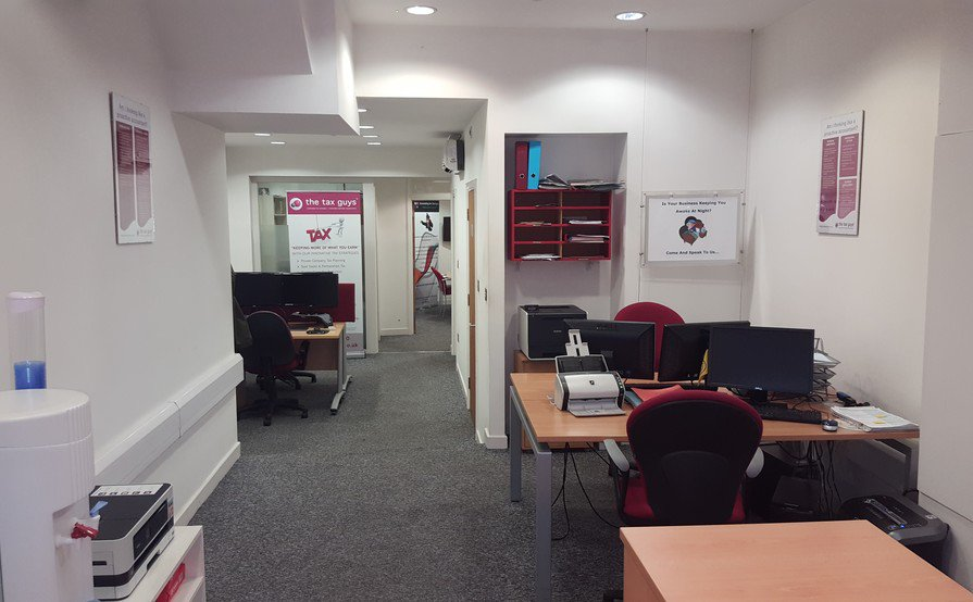 Office desk space in Wandsworth ideal for an individual in the Accounting industry.