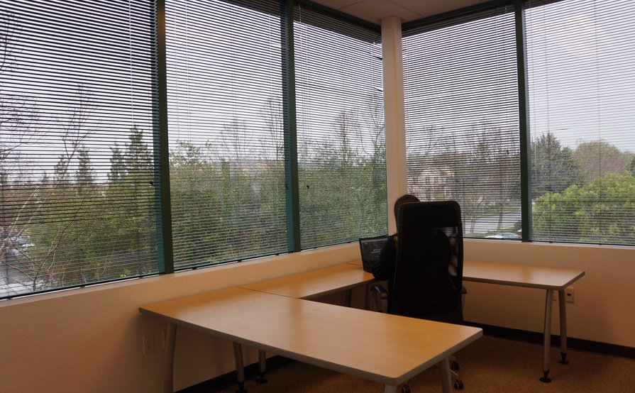 Private Deluxe Office 95sqft