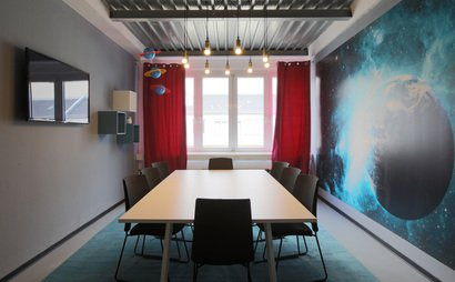 Themed conference rooms