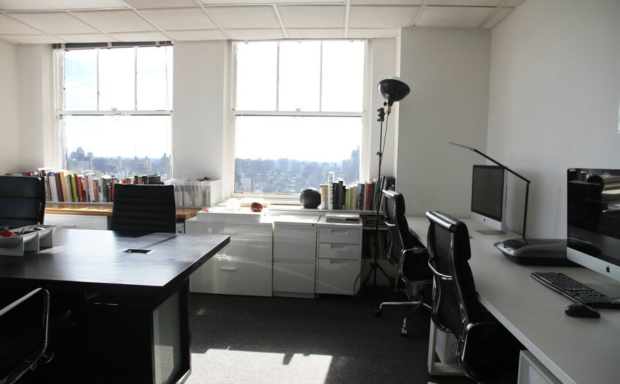 Entire 340 sf corner creative office on the 21st floor of a 1930's office building in Tribeca. Awesome unblocked views to the north and the east