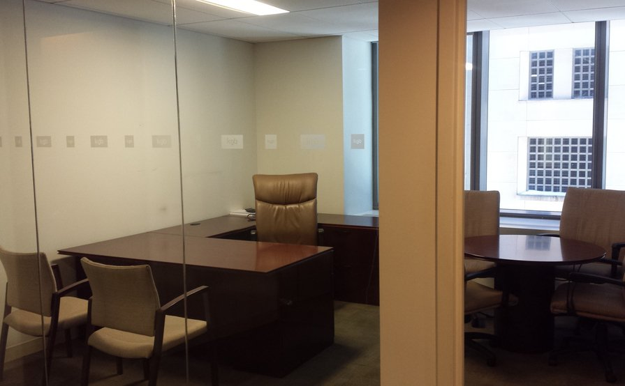 Bon Private Office With Lots Of Natural Light (Windows)