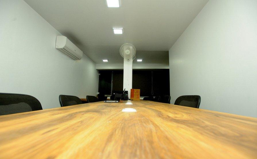 One Fine Desk