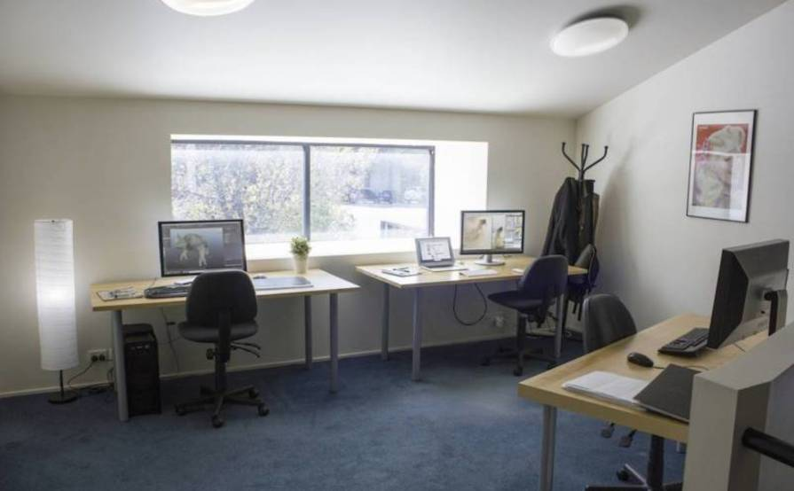 Artisan Hub - Desks and Office Spaces for Film/Media/Graphic/Games ...