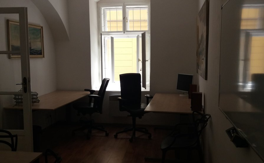 PRAGUE historic center shared office