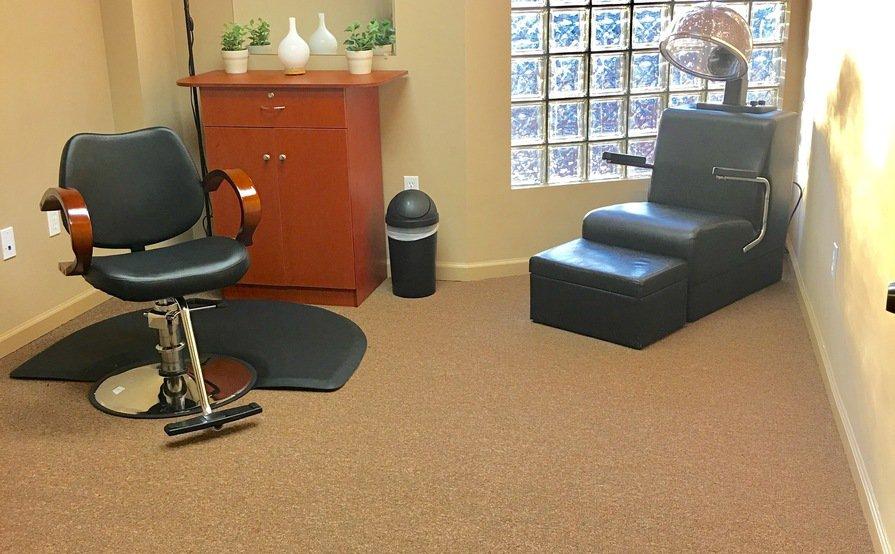 Private Salon Suite