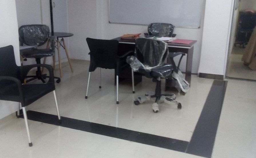 Desk on monthly rental basis