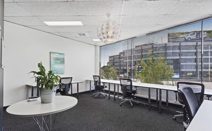 844 Executive Co