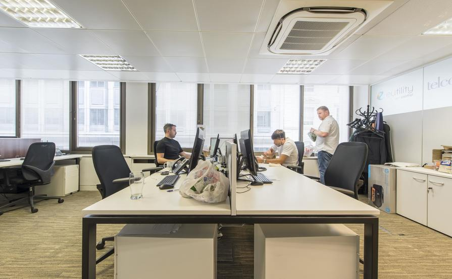 Up to 17 x Serviced Desk Spaces Newly Refurbished in Moorgate