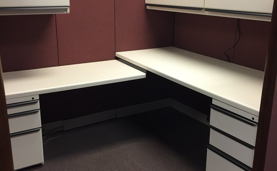 Offices & cubicles available for lease