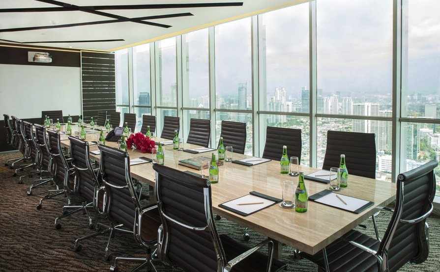 CEO SUITE AXA Tower