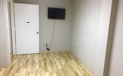 $600 & $475 A MONTH FOR 2 FULLY RENOVATED ESTHETICIAN ROOMS