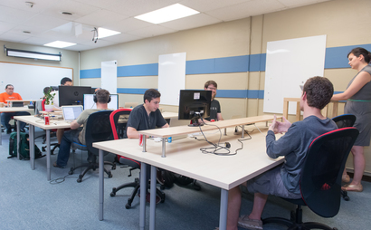 Community Coworking - Shared Desk